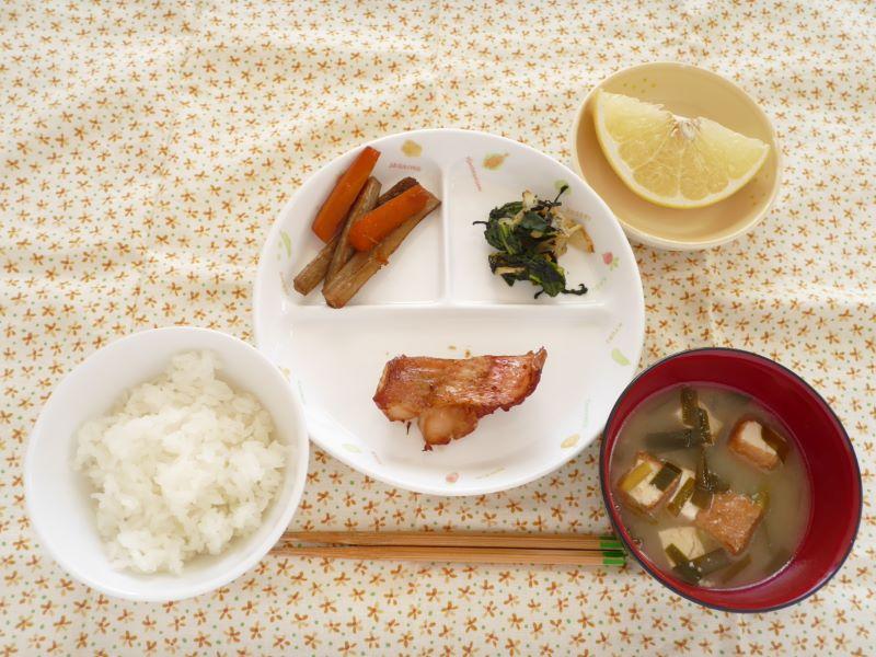 離乳食 赤 魚